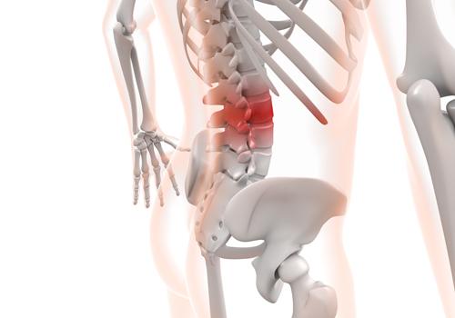 骨盤矯正腰痛施術猫背姿勢名張整骨院相談予約駐車場スペースキッズ別